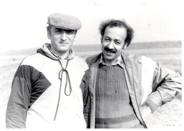 Юрий Аронович Гусман и Артур Суренович Будагов в поле. Сентябрь 1989 г.